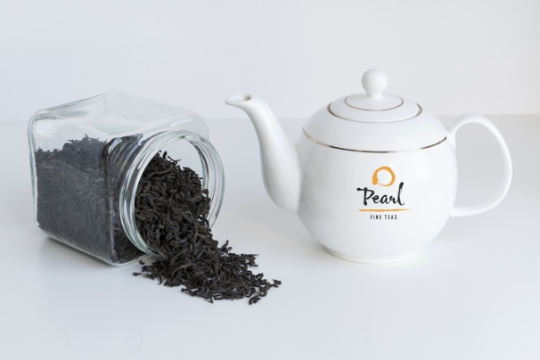 AdobeStock_177944371.blacktea_Pot